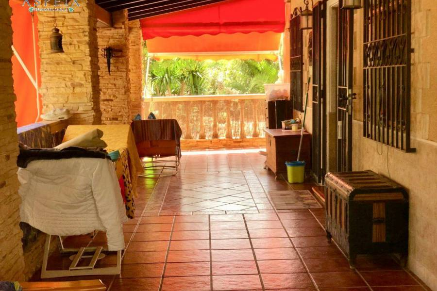 Re-sale - Villa - Torrellano - TORRELLANO ALTO