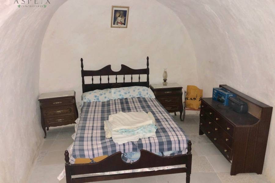 Re-sale - Cave house - Hondon De Las Nieves
