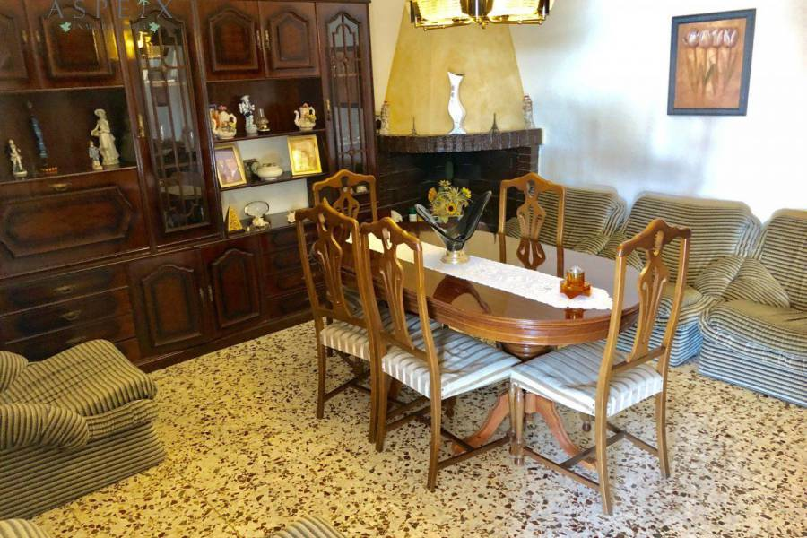 Re-sale - Country house - Crevillente