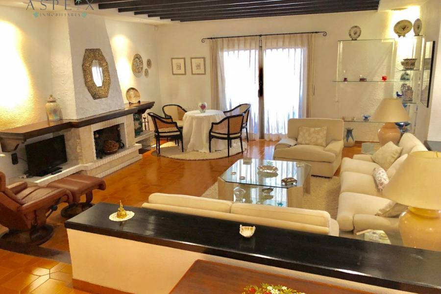 Re-sale - Villa - Elche